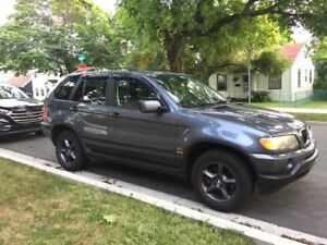 Selling 2002 BMW SUV for Parts