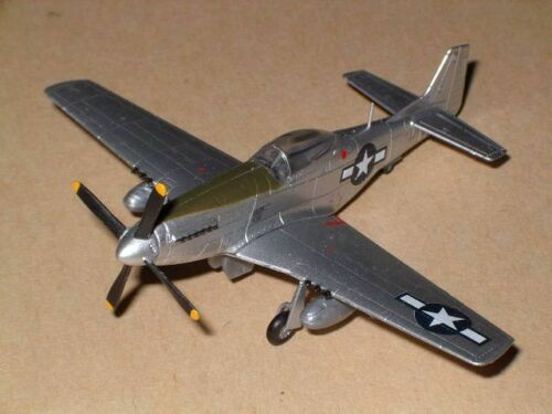 1/144 Bandai P-51D Mustang with 1 figure from Wing Club L part 2