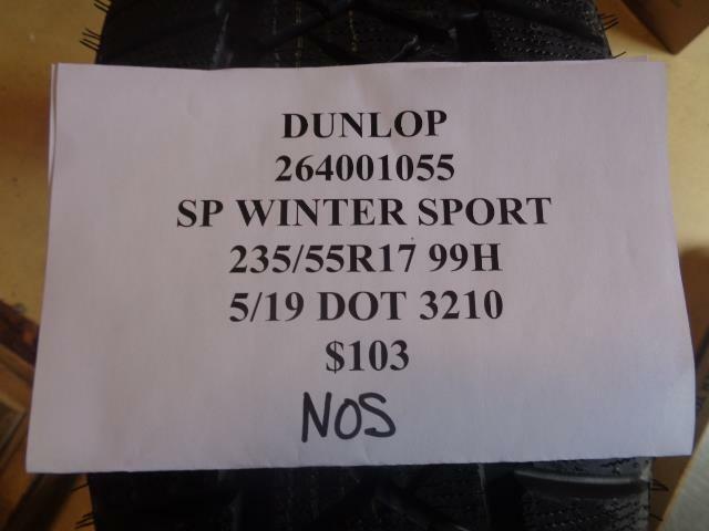 1 NOS DUNLOP SP WINTER SPORT 235 55 17 99H TIRE WO LABEL 264001055 Q9