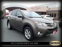 2013 Toyota RAV4 XLE AWD, SUNROOF, HEATED SEATS AND MORE....