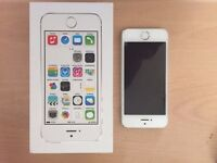 iPhone 5s 32GB. Silver / white finish