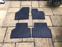 Audi Q3 front and rear rubber floor mats