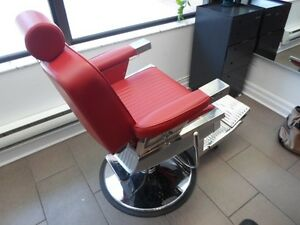 Salon Closing down Sale / Barber Chairs / Hair styling / Shampoo