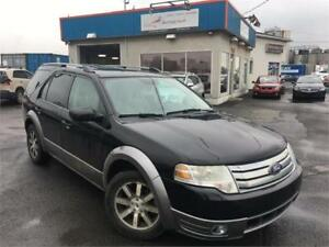 FORD TAURUS X 2009 AUTO / MAGS / 8 PNEUS / 7 PASSAGERS / PROPRE