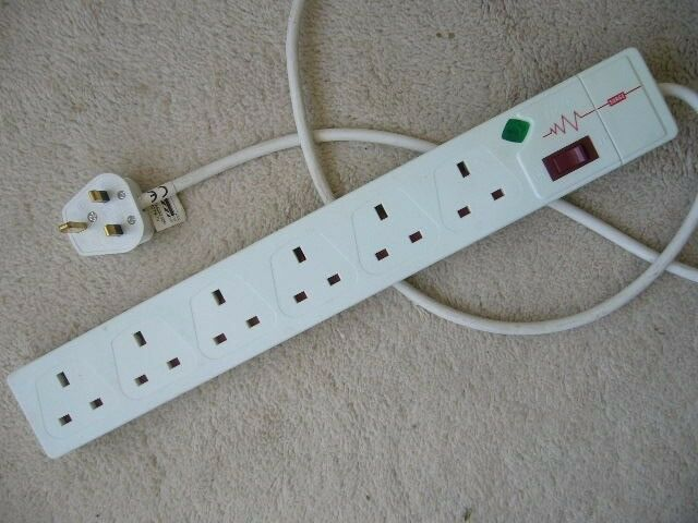 Masterplug 2 metre 6 way Surge Protected Mains Extension Lead ...