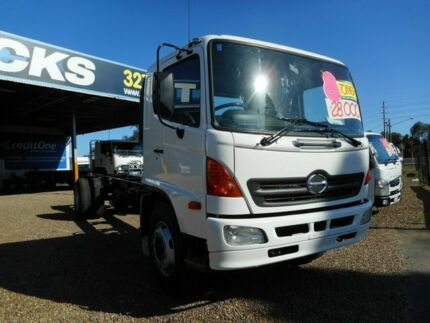 2004 Hino Fg Series White Cab Chassis 7.9l 4x2 Rocklea Brisbane South West Preview