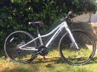 Trek Neko Girls Mountain Bike / Hybrid White (excellent condition)