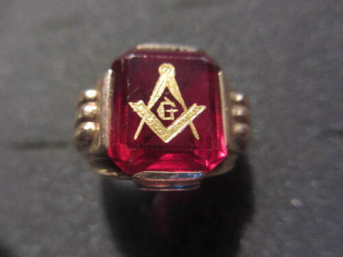 Masonic Ring 10 kt Gold   RED  stone   free shipping