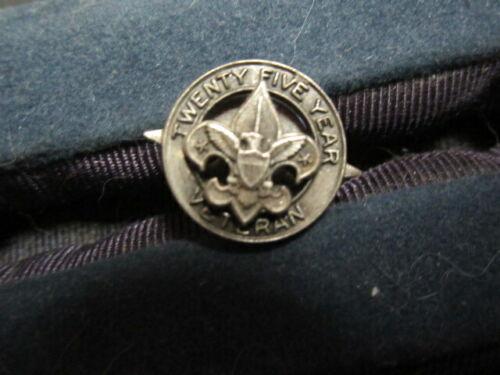 Boy Scout Leader 25 Year Veteran Lapel Pin, Not a Year Pin       c80