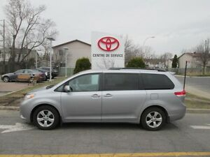 2012 Toyota Sienna LE 8 PASS RARE!!!