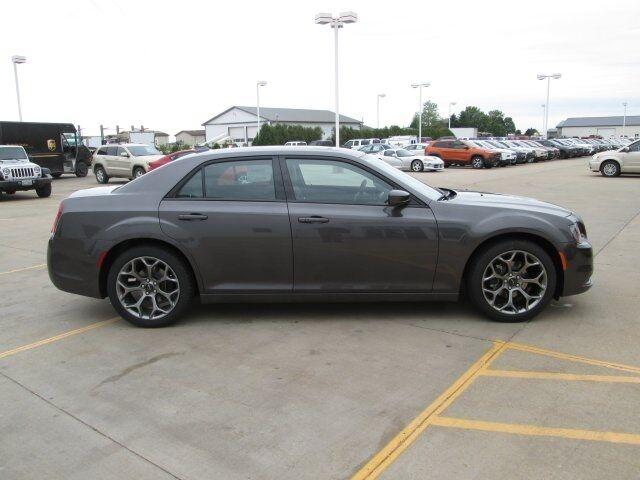 Image 1 of Chrysler: 300 Series…