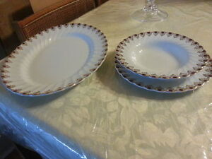 A rare complete set of plates Ruby Jewel by Myott Staffordshire