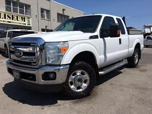 2011 Ford Super Duty F-250 SRW XLT  4X4 **ONLY 90KM-SHORT BOX**