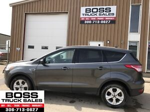 2015 Ford Escape SE Eco Boost!! Low KMS!! Under Warranty!!