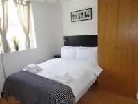 EUSTON - Studio with Private Kitchen and Shower/WC. WIFI and SKY TV incl.