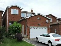 WOODBRIDGE. NICE DETAHCED 4+1 BEDROOM HOME WITH 2 KITCHENS....