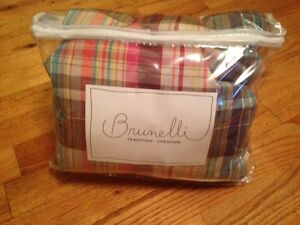*NEW* Brunelli queen duvet cover w/ shams St. John's Newfoundland image 1