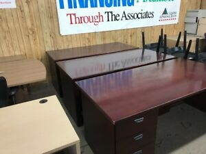 We Offer Brand New Desks at Cheap Price!