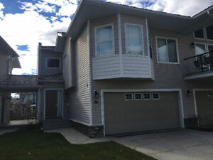 NW Rocky Ridge Semi-detached walkout townhouse for rent