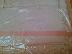 Brand new in box Italian cotton bedspread sheets pillow sham set London Ontario image 4