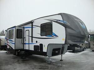 Fifth Wheel Garage Forest River Vengeance, 314A12, 2017, 38 pi
