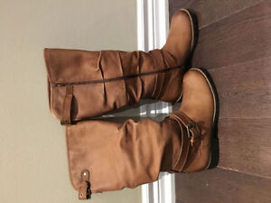 Gorgeous Warm, Winter Full Leather Boots BRAND NEW