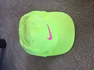 *EXCELLENT CONDITION* Toddler Girls Nike Hat