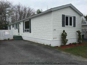 Mobile home in sackville manor for rent