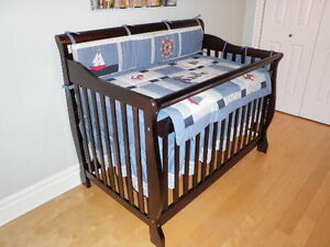 2 Lits évolutifs de bébé 4 en 1 à vendre +2 tables à langer