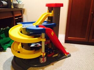 Large Fisher Price Car Parkade and ramp