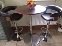 Orlando Bistro Table and 2 Stools