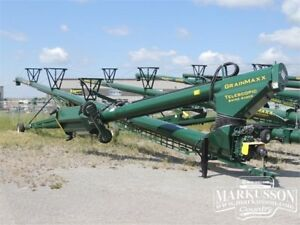 "GrainMaxx 7485 Swing Auger - 14"" x 85', Hyd & Telescoping Swing"