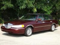 Miniature 1 Voiture American used Lincoln Town Car 2000