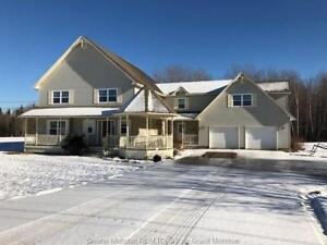 Open House - 1645 Elmwood Dr - Sunday December 2 from 2-4PM