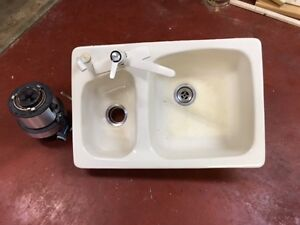 "32"" Kitchen sink with tap and garberator"