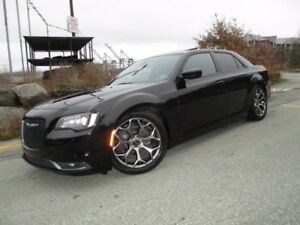2015 Chrysler 300 300S (NAVIGATION, R/CAM, PANO ROOF, HEATED LEA