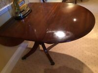 DINING ROOM TABLE, 2 DROP LEAF SIDES, SUPERB CONDITION