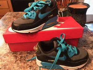 Nike Air Max Boys Sneakers Size 12