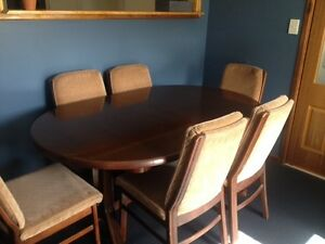 7 piece extendable table dining suite Regents Park Auburn Area Preview