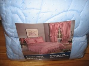 NEW/NEUFS! 2 Quilted Twin Bedspreads-Couvre-Lits Piques Simples