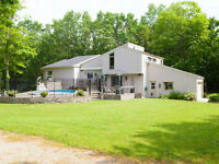 Home, Work-Shop, Pool, Near Guelph Lake