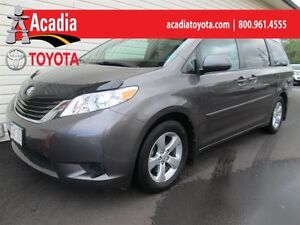 2013 Toyota Sienna LE 8-Pass with Back-Up Camera!