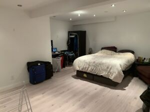 Male Only - Quiet, Clean Room in Basement for rent near UTM