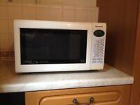 Panasonic Microwave Oven NN-A554W 27 Liter 1000W