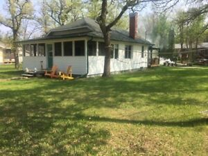 COTTAGE INTERLAKE SALE