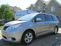 Toyota Sienna LE 2013 8 passagers 25000km