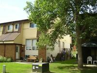 Bells Corners (Forester Cres) 3 Bedroom Townhome For Rent