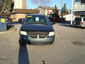2005 Dodge Caravan ***Safety & E-test Incl.