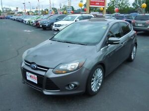 2012 FORD FOCUS TITANIUM- POWER GLASS SUNROOF, LEATHER HEATED SE