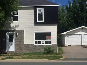 Renovated 3 bdrm unit, available Immediately!